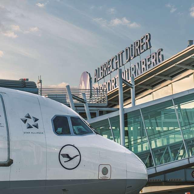 Flugzeug am Airport Nürnberg