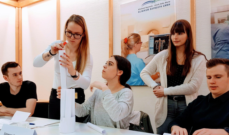 Wirtschaftsakademie_KritikTurm_bayreuth